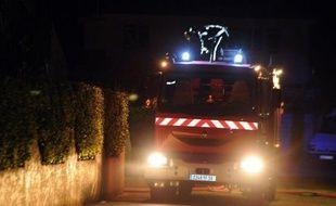 Deux enfants âgés de 7 et 8 ans et une femme sont morts dans la nuit de vendredi à samedi à Carcès (Var), dans l'incendie d'un chalet, dont l'origine reste à déterminer,