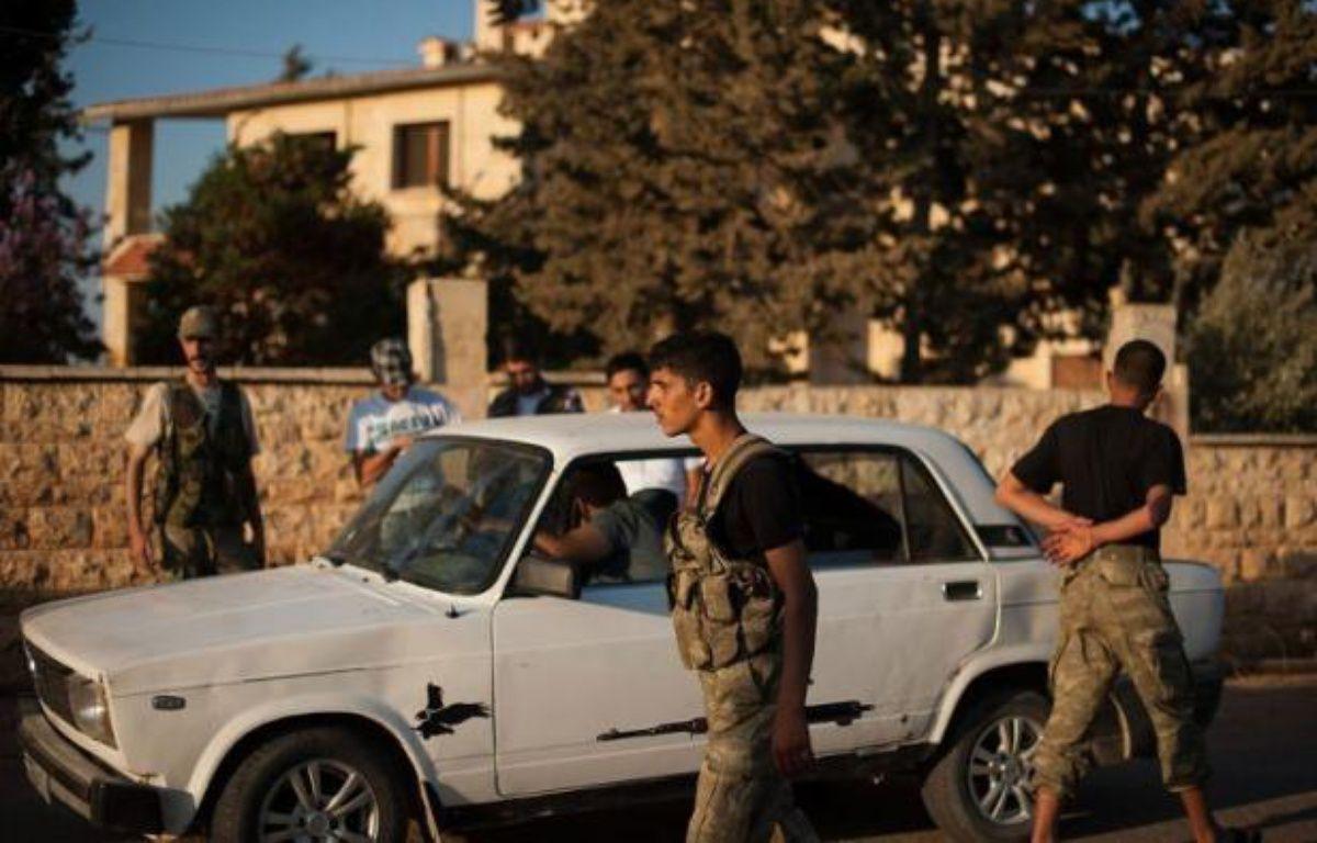 Les rebelles opposaient dimanche une résistance farouche aux troupes du régime à Alep, bombardée sans relâche par air et terre, de même que dans d'autres villes de Syrie ensanglantées par les violences. – Phil Moore afp.com