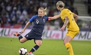 La Lyonnaise Eugénie Le Sommer a signé un superbe doublé, ce vendredi dans le Chaudron, pour permettre aux Bleues de battre l'Australie (2-0).