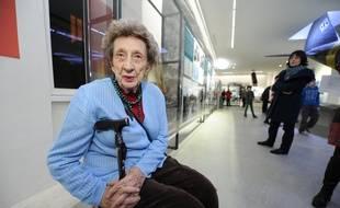 Camille Senon, 93 ans, rescapée du massacre d'Oradour-sur-Glane (Haute-Vienne) en 1944, a opposé une fin de non recevoir à la proposition du Premier ministre de l'élever au rang de commandeur de l'Ordre national du mérite,