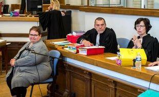 Dominique Cottrez et ses avocats Franck Berton et Marie-Helene Carlier à l'ouverture de son procès le 25 juin 2015 à Douai