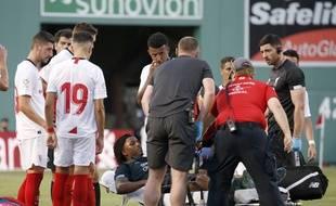 Larouci est sorti blessé après le tacle de Joris Gnagnon
