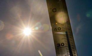 Thermomètre indiquant une température de 39° le 1er juillet 2015 à Lille
