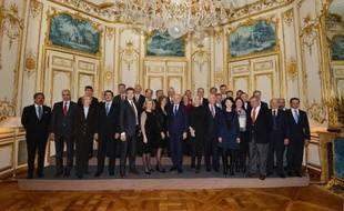 """Jean-Marc Ayrault a reçu dimanche soir à Matignon les patrons de 26 entreprises internationales, à la veille de la tenue à l'Elysée d'un """"Conseil de l'attractivité"""", a constaté une journaliste de l'AFP."""