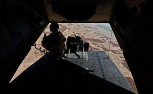Deux soldats britanniques ont été tués dans une attaque à l'arme lourde vendredi dans le sud de l'Afghanistan, a annoncé le ministère de la Défense à Londres.