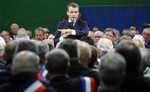 Emmanuel Macron a répondu aux questions des maires réunis dans l'Eure dans le cadre du grand débat national.