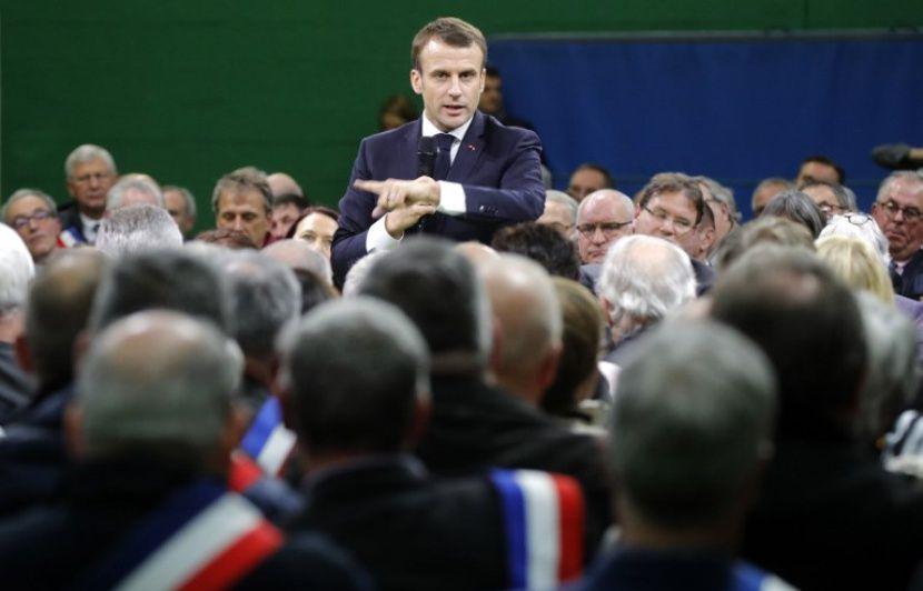 """Résultat de recherche d'images pour """"macron maires"""""""