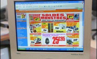 Le numéro un français de la vente sur internet de matériels électroniques, CDiscount, a été victime d'une vaste escroquerie d'un montant estimé à au moins 300.000 euros, a-t-on appris lundi de sources judiciaires.