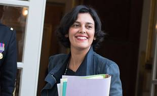 Ministre du Travail, Myriam El Khomri arrive a l'Hotel Matignon pour une reunion de travail avec le Premier ministre, Bernard Cazeneuve, Paris, FRANCE-08/12/2016//PDN_0011NIV/Credit:PDN/SIPA/1612082106