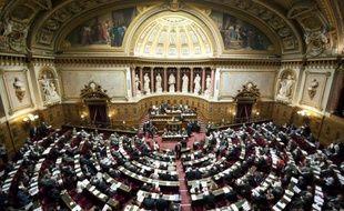Le Sénat a retoqué par surprise jeudi matin le durcissement des droits de succession voulu par le gouvernement et prévu dans le budget rectificatif 2012, la gauche se retrouvant minoritaire au moment du vote.