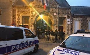 Une intervention de police au dans un collège près de Nantes (illustration).