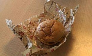Quick a lancé son cheeseburger bio le 21 septembre 2010.