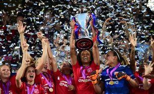 Les Lyonnaises ont pu soulever leur troisième Ligue des champions après un suspense insoutenable jeudi soi.