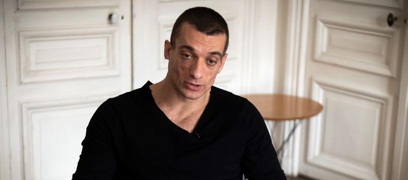 Piotr Pavlenski dans le bureau de son avocat, à Paris, le 14 février 2020.