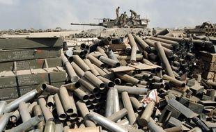 Frontière entre Israël et la bande de Gaza, le 28 juillet 2014. Des cartouches vides de l'armée israélienne, qui a lancé une offensive contre le Hamas.