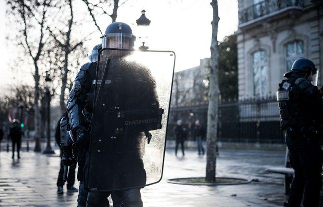 VIDEO. «Gilets jaunes»: Les policiers saisissent Christophe Castaner après la diffusion d'un montage comparant les CRS à des nazis