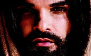 Mike Massy interprète Jésus dans la comédie musicale de pascal Obispo et Christophe Barratier.