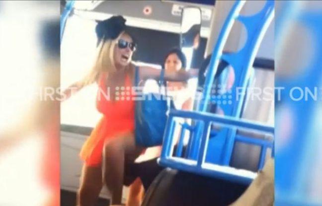 Les deux femmes ont attaqué un homme malvoyant dans un bus australien, mardi.