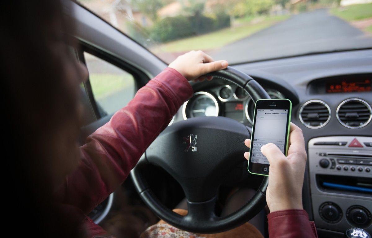 Usage du téléphone au volant (illustration) – S. Pouzet/SIPA