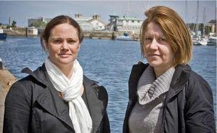 Julie Leclerc (à g.) et Magali Drouet, porte-parole des familles des victimes.