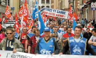 Le cortège est parti de la place de la Bourse pour un défilé dans les rues du centre-ville.