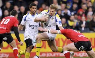 Clermont a rejoint samedi Toulouse en quarts de finale de la Coupe d'Europe de rugby en terminant premier de la poule 4 grâce à sa victoire (19-15) sur les Nord-Irlandais d'Ulster, mais les deux clubs devront très probablement se déplacer.