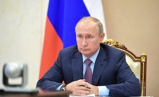 La Russie a enregistré son deuxième vaccin contre le coronavirus et va passer à la phase finale des essais cliniques