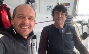 Kevin Escoffier à bord du bateau de Jean Le Cam après le sauvetage, le 1er décembre 2020.