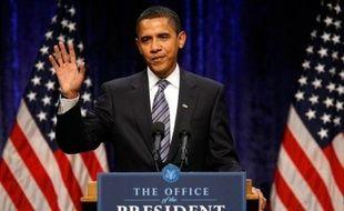 Le président élu des Etats-Unis, Barack Obama, a promis jeudi une réduction d'impôts de 1.000 dollars à 95% des ménages américains dans le cadre de son plan de relance de l'économie.