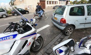 Illustration voiture, cycliste, police. Strasbourg le 23 septembre 2015.