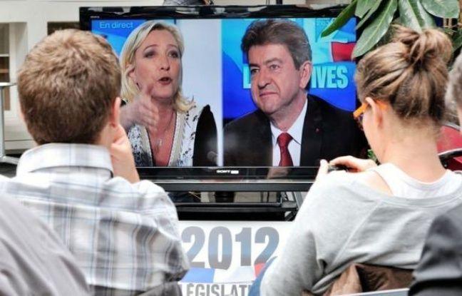"""Jean-Luc Mélenchon et Marine Le Pen se sont livrés samedi à un débat """"Front contre Front"""" haut en couleurs dans la campagne pour la 11e circonscription du Pas-de-Calais, sur France 3 Nord/Pas-de-Calais, où les autres principaux candidats ont tenté de se faire entendre."""