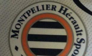 Le logo du maillot de Montpellier comporte une belle erreur orthographique.