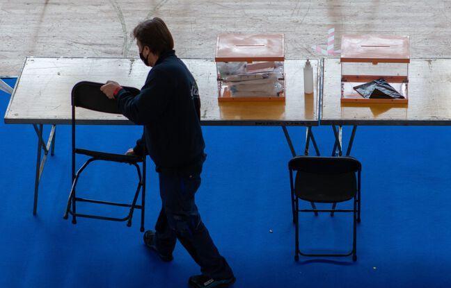 648x415 preparation d un bureau de vote a barcelone le 13 fevrier 2021