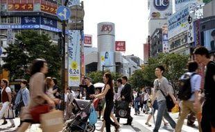 La croissance du Japon au premier trimestre a été encore plus vigoureuse qu'estimé au départ et a atteint 1,2% en rythme trimestriel, mais la crise européenne et les incertitudes pesant sur la consommation font craindre un net ralentissement par la suite.