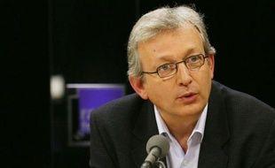 """Pierre Laurent, secrétaire national du PCF, a assuré lundi sur i-TELE que la dynamique du Front de gauche """"fait du mal"""" à Nicolas Sarkozy et à sa majorité."""