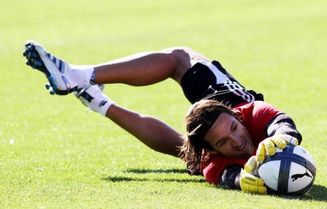 Le gardien remplaçant de l'OM, Andrade, lors d'un entraînement à Marseille, le 12 octobre 2010.