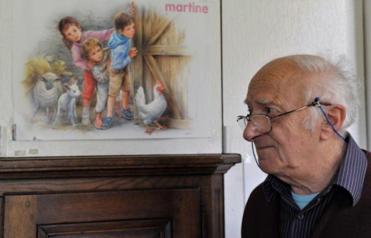 Marcel Marlier, l'illustrateur de «Martine» le 16 novembre 2010 chez lui à Tournay  – AFP / GEORGES GOBET