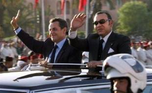 La France a signé pour au moins deux milliards d'euros de contrats civils et militaires au premier jour de la visite d'Etat du président français Nicolas Sarkozy au Maroc, sans toutefois réussir à placer les Rafale.