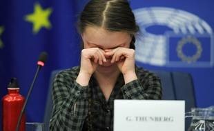 Greta Thunberg en larme au Parlement européen de Strasbourg, mardi.