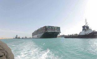 L'Ever Given, qui bloquait la circulation dans le canal de Suez, a pu être débloqué.