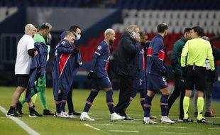Les joueurs du PSG rejoignant les vestiaires du Parc