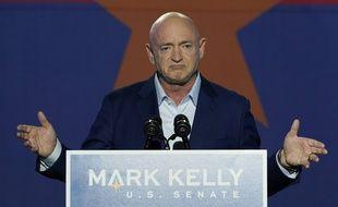 L'ex-astronaute américain Mark Kelly a battu mardi la sénatrice républicaine et ex-pilote de chasse Martha McSally aux élection parlementaire dans l'Arizona, mardi 3 novembre 2020. (Illustration)