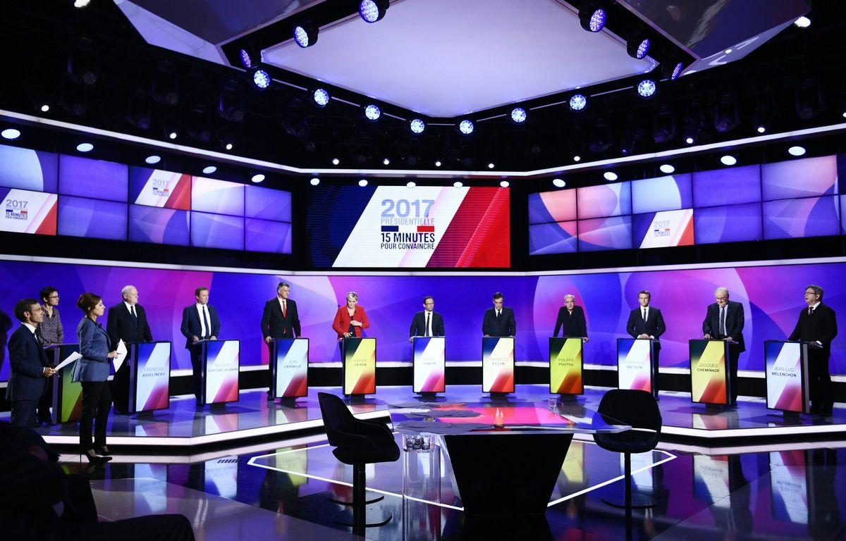 Les 11 candidats à l'élection présidentielle sur le plateau de l'émission  – Martin BUREAU / POOL / AFP