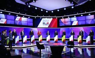 Les 11 candidats à l'élection présidentielle sur le plateau de l'émission