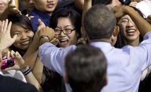 Barack Obama rencontre de jeunes Vietnamiens à Ho Chi Minh Ville, le 25 mai 2016.