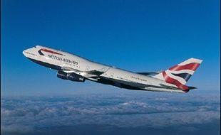 Le développement de la vente de vols sur internet et du billet électronique permet aux compagnies aériennes de tailler dans leurs coûts, mais aussi dans leurs effectifs, comme l'illustre la suppression de 400 postes commerciaux annoncée mercredi par British Airways.