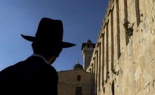 Un juif ultraorthodoxe visite le site historique d'Hébron appelé Tombeau des Patriarches par les juifs et Mosquée d'Ibrahim par les musulmans