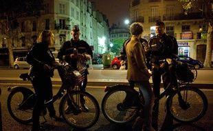 Illustration d'un contrôle d'alcoolémie et de stupéfiants réalisé par la police Nationale à Paris, le 6 août 2011