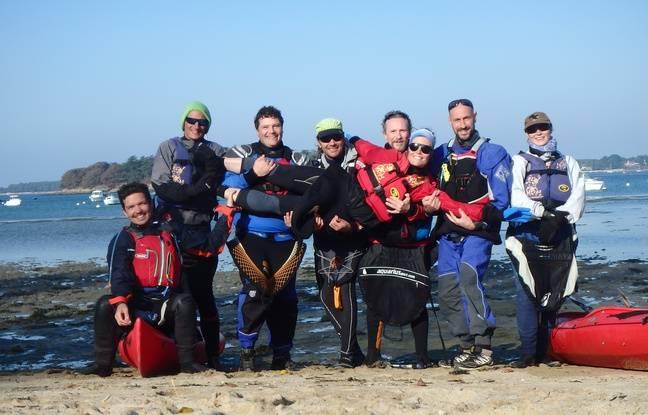 8 des 11 membres de l'aventure au Spitzberg, ici en novembre dernier lors d'un entraînement dans le golfe du Morbihan (Bretagne).