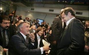 """Le candidat UMP à l'élection présidentielle, Nicolas Sarkozy, a promis samedi de """"rendre au sport la place qu'il mérite"""" devant un parterre d'anciens grands champions à qui il a fait part de son enthousiasme pour leurs exploits."""